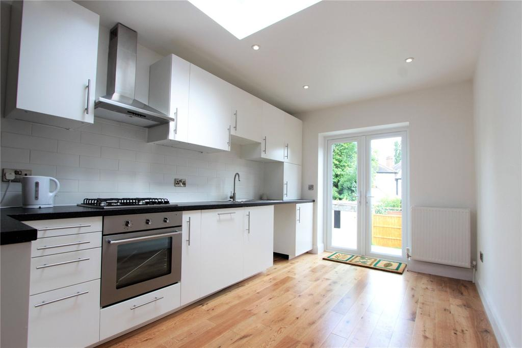 2 Bedrooms Maisonette Flat for sale in St. Andrews Road, London, NW9