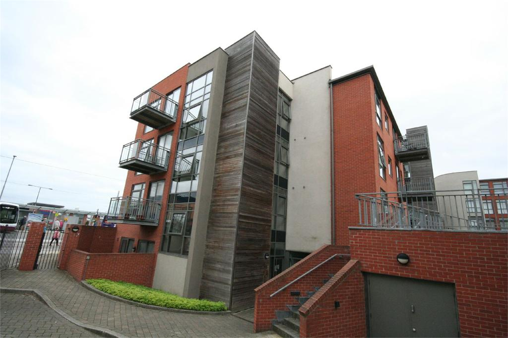 2 Bedrooms Flat Share for sale in Hooton House, Manor Centre Church Street, Beeston, Nottingham, NG9