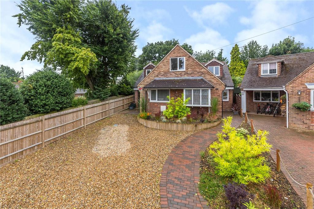 5 Bedrooms Detached House for sale in Park Rise Close, Harpenden, Hertfordshire