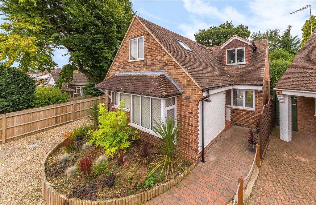 5 Bedrooms Detached House for sale in Park Rise Close, Harpenden, Hertfordshire