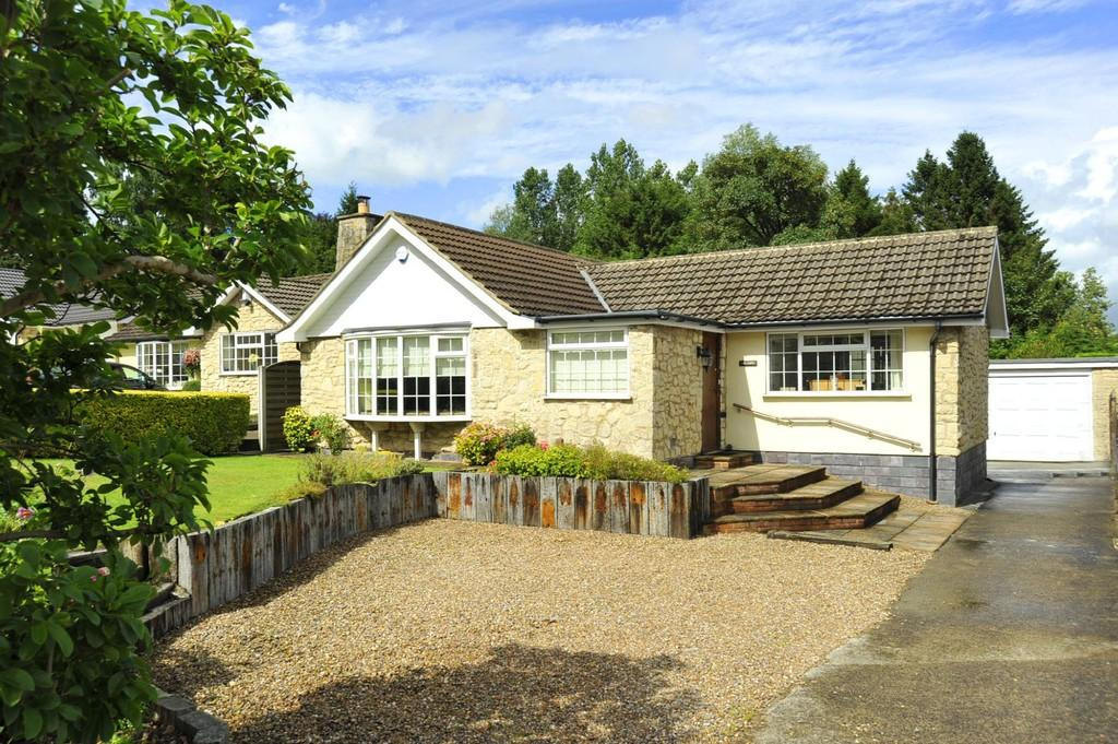 3 Bedrooms Detached Bungalow for sale in Main Street, Pannal
