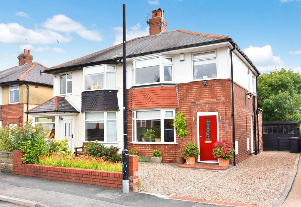 3 Bedrooms Semi Detached House for sale in Harlow Park Road, Harrogate