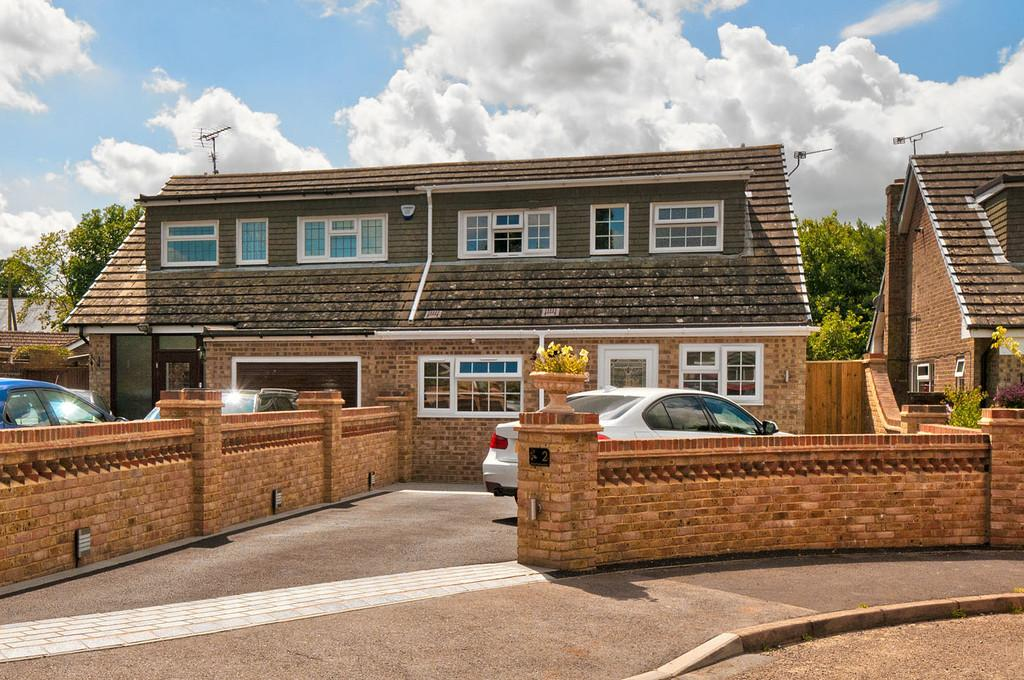 3 Bedrooms Semi Detached House for sale in Kingswood, Maidstone
