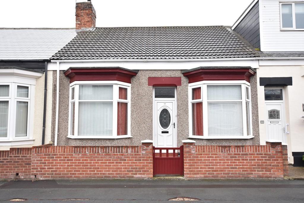 2 Bedrooms Terraced Bungalow for sale in Stansfield Street, Roker