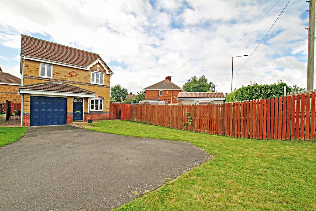 3 Bedrooms Detached House for sale in Mulberry Court, Warmsworth, Doncaster