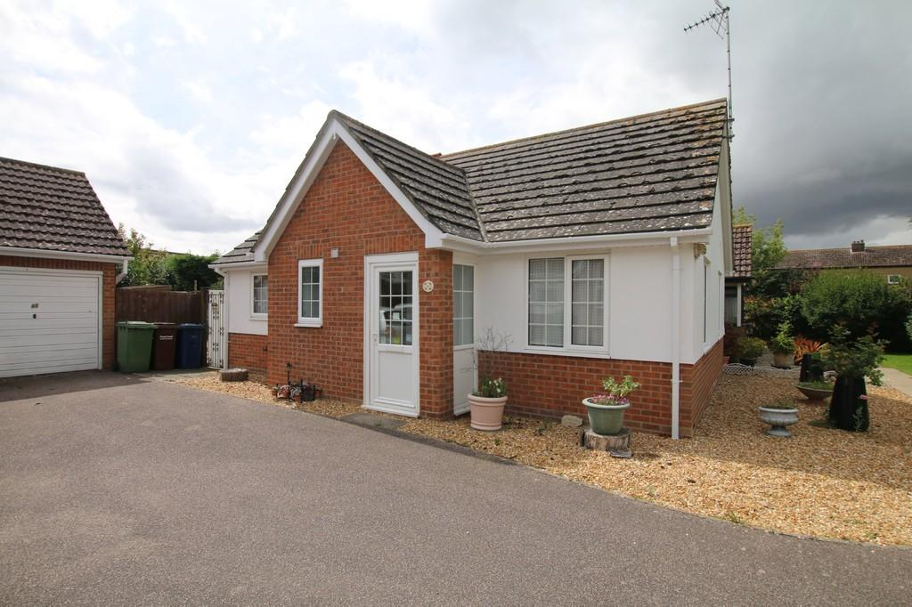 2 Bedrooms Semi Detached Bungalow for sale in Mayfly Close, Chatteris