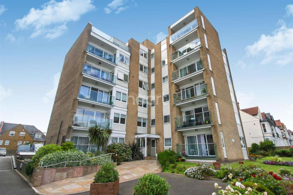 2 Bedrooms Flat for sale in Overcliff, Manor Road