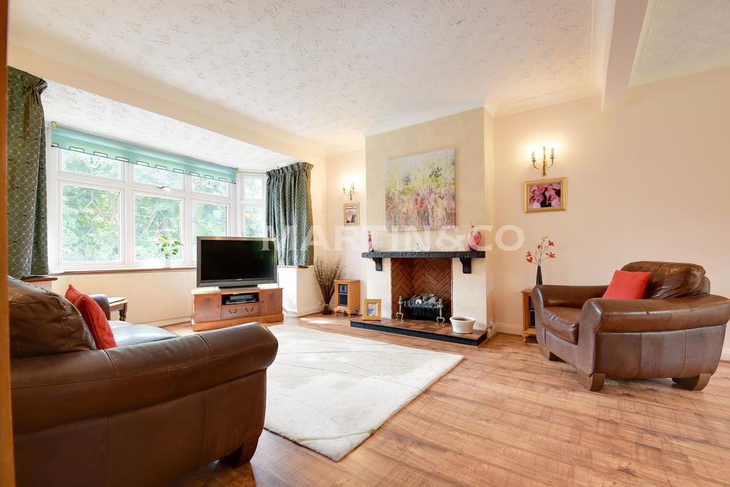 3 Bedrooms Semi Detached House for sale in LONGWOOD GARDENS, CLAYHALL