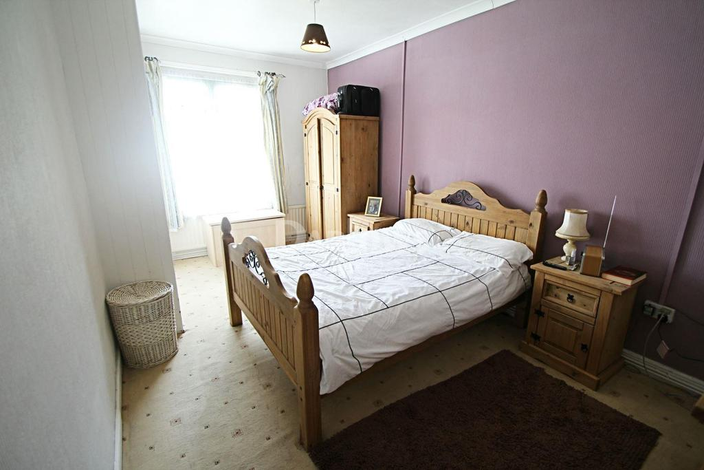 3 Bedrooms Terraced House for sale in Newport Road, Trethomas, Caerphilly