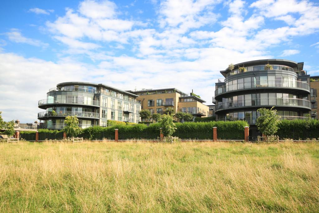 2 Bedrooms Apartment Flat for sale in Kingsley Walk, Cambridge