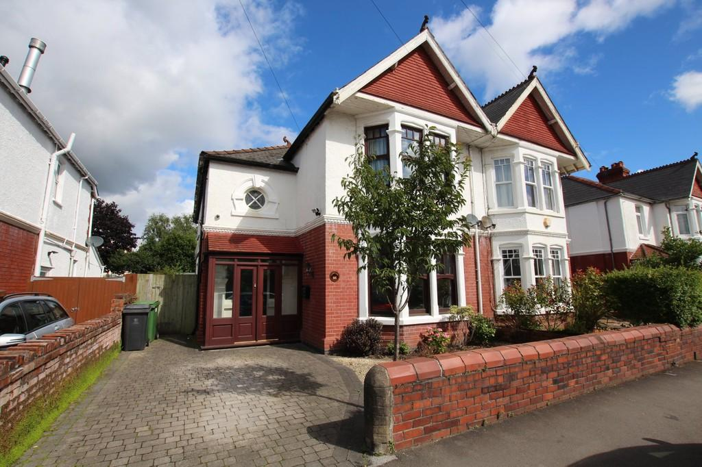 4 Bedrooms Semi Detached House for sale in Bishops Road, Whitchurch, Cardiff