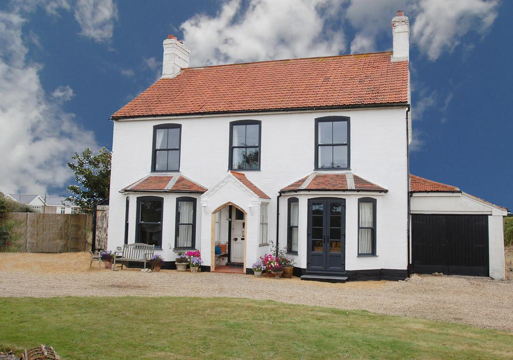 4 Bedrooms Detached House for sale in Walcott Road, Bacton