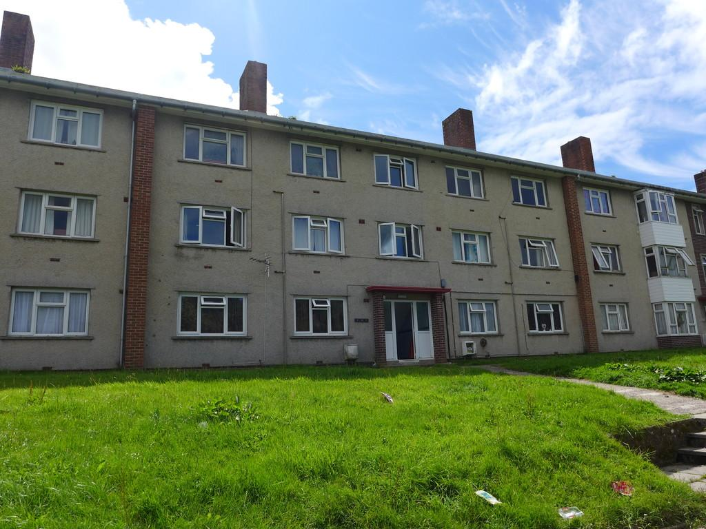 1 Bedroom Apartment Flat for sale in Fleming Crescent, Haverfordwest