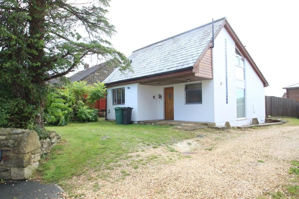 2 Bedrooms Detached House for sale in Church Road, Havenstreet