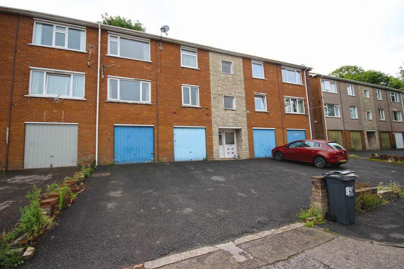 2 Bedrooms Apartment Flat for sale in Lynmouth Crescent, Rumney