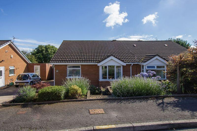 2 Bedrooms Semi Detached Bungalow for sale in Porlock Drive, Sully
