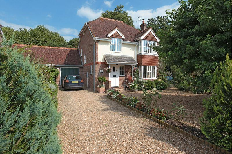 4 Bedrooms Detached House for rent in Tile Barn Close, Isfield, east Sussex.