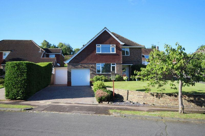 4 Bedrooms Detached House for sale in Gatesmead, Haywards Heath