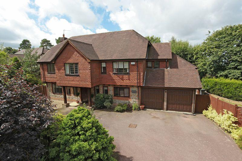 5 Bedrooms Detached House for sale in Melfort Road, Crowborough, East Sussex