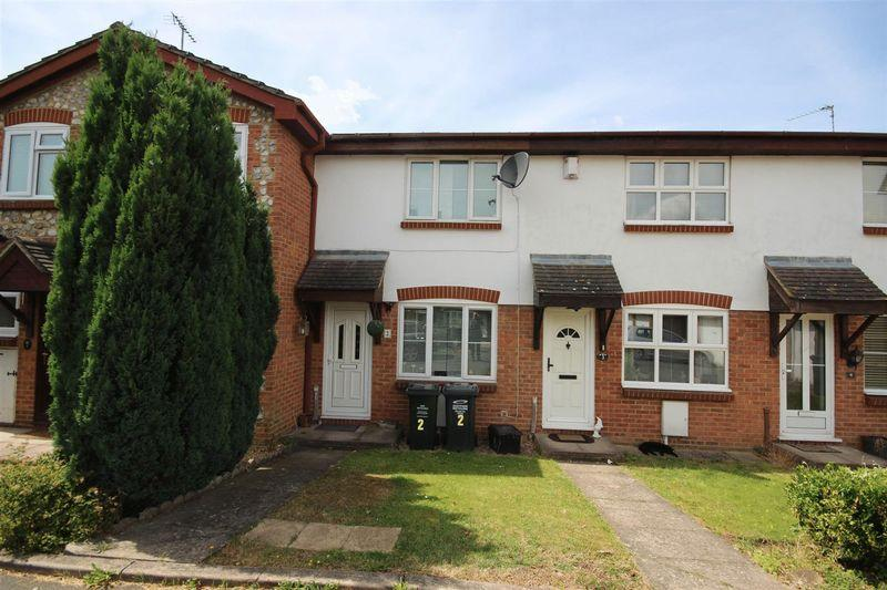 2 Bedrooms Terraced House for sale in Quay Lane, Greenhithe