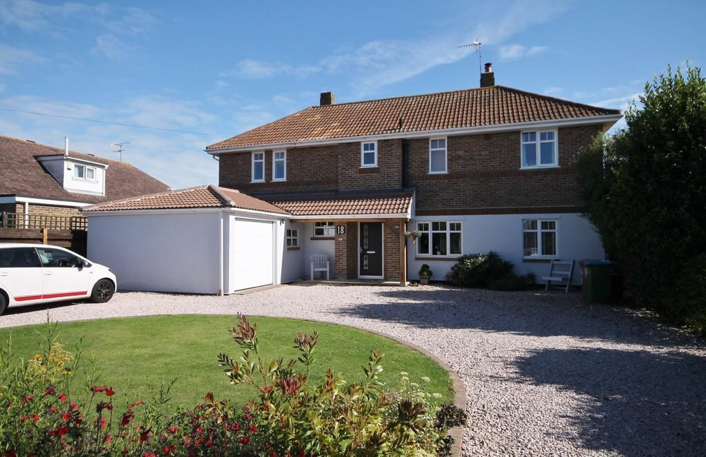 4 Bedrooms Detached House for sale in Telgarth Road, Ferring BN12 5PX