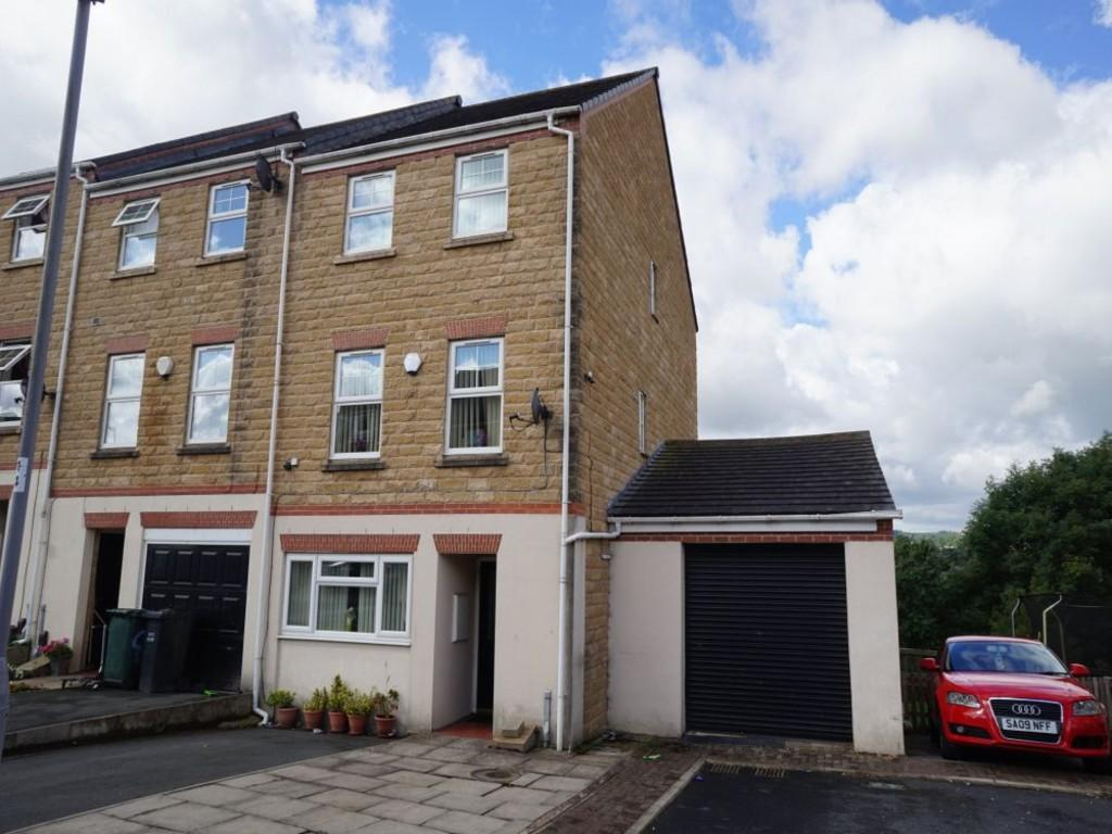 4 Bedrooms Town House for sale in Tanner Hill Road, Bradford