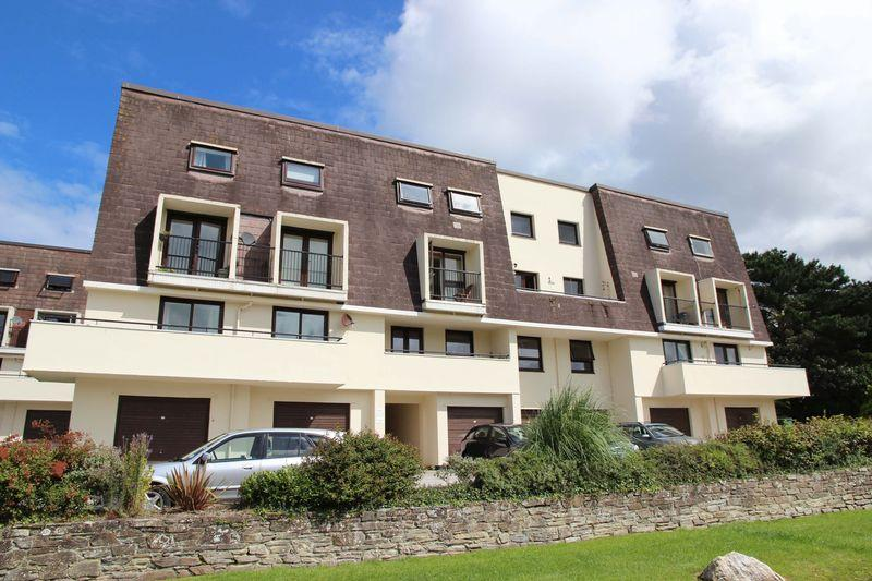 2 Bedrooms Apartment Flat for sale in Galleon Court, Newquay