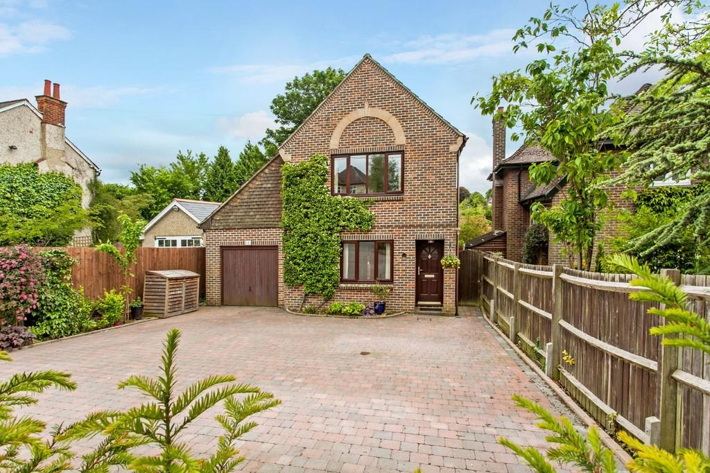 3 Bedrooms Detached House for sale in Stoney Lane, Winchester, SO22