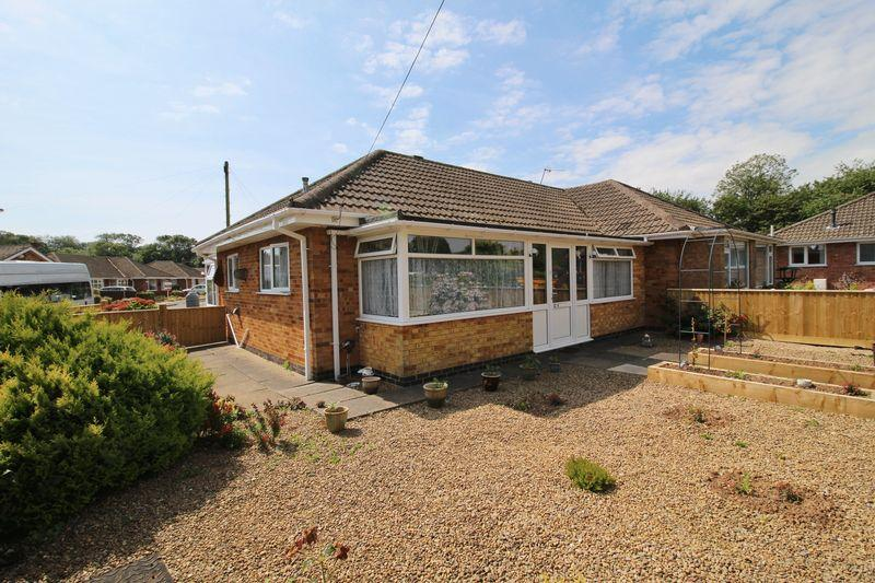 2 Bedrooms Semi Detached Bungalow for sale in Kennedy Avenue, Skegness