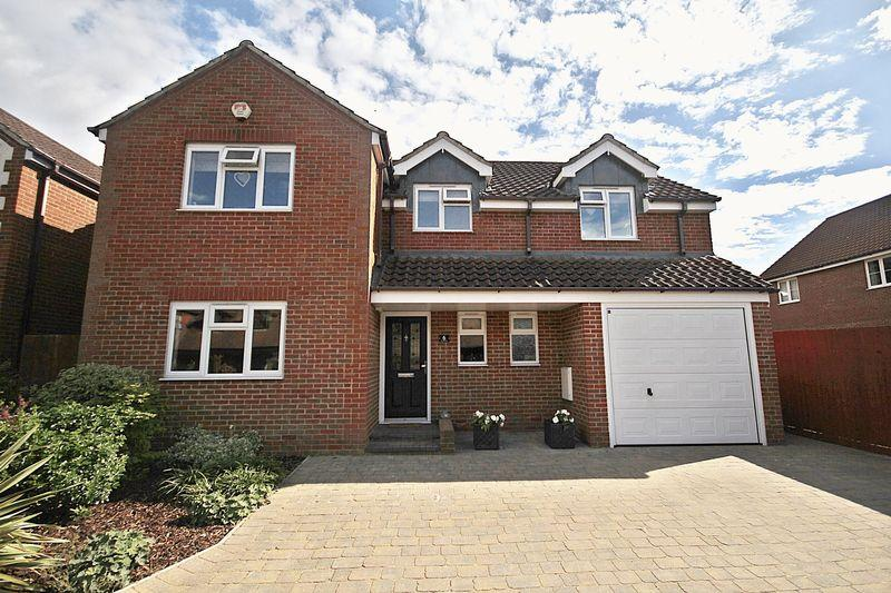 4 Bedrooms Detached House for sale in The Birches, Flitwick