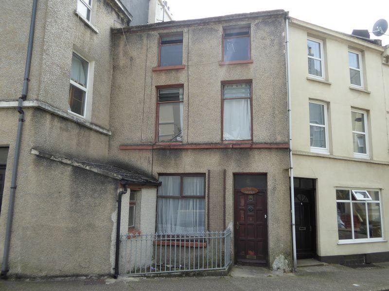 4 Bedrooms Terraced House for sale in 8 Castlemona Avenue, Isle Of Man