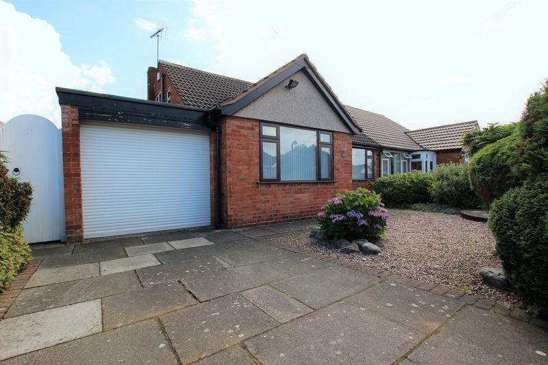 2 Bedrooms Semi Detached Bungalow for sale in Eton Drive, Thornton Hough, Wirral