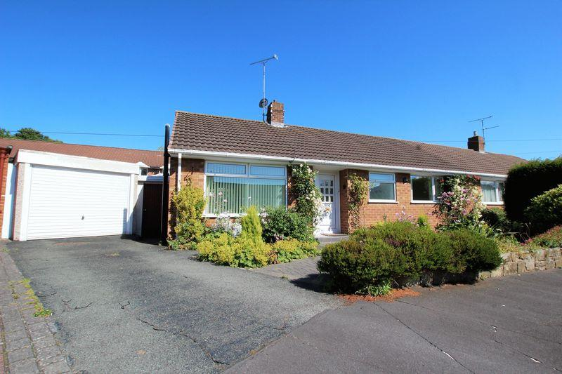 2 Bedrooms Semi Detached Bungalow for sale in Christophers Close, Pensby