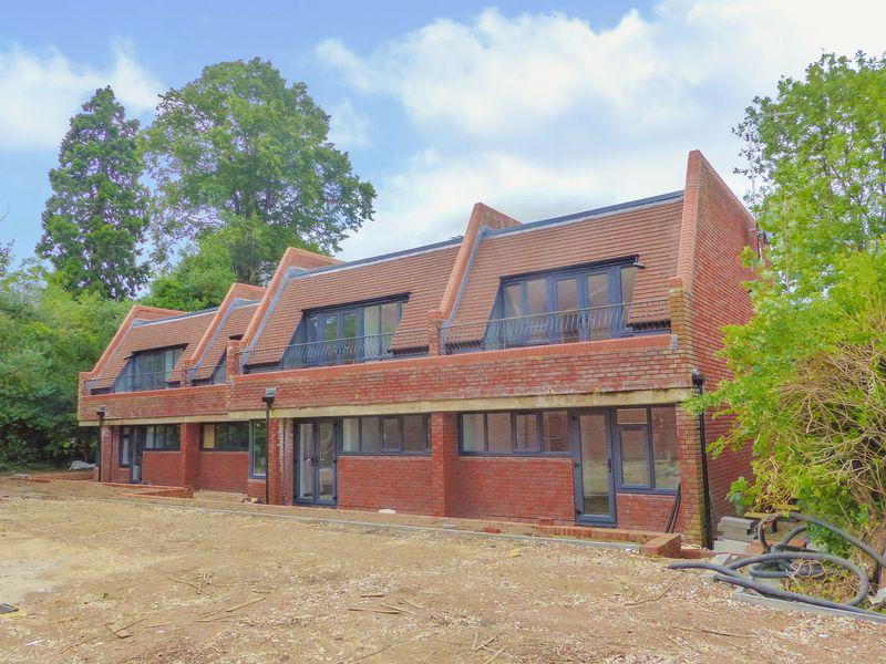1 Bedroom Apartment Flat for sale in Cromwell Gardens, Marlow, SEPTEMBER COMPLETION