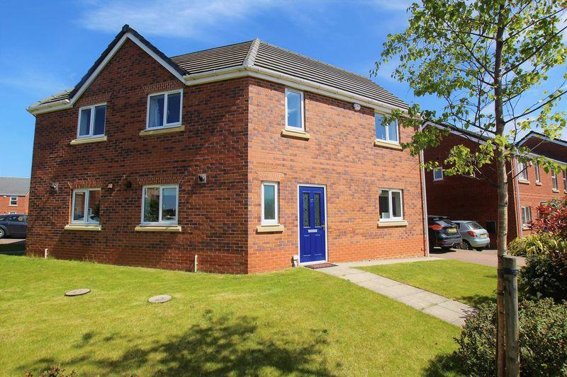 3 Bedrooms Terraced House for sale in Prince Charles Avenue, Durham