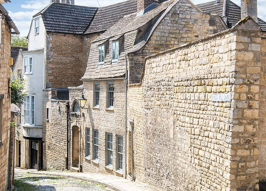 4 Bedrooms Town House for sale in Kings Mill Lane, Stamford, Lincolnshire