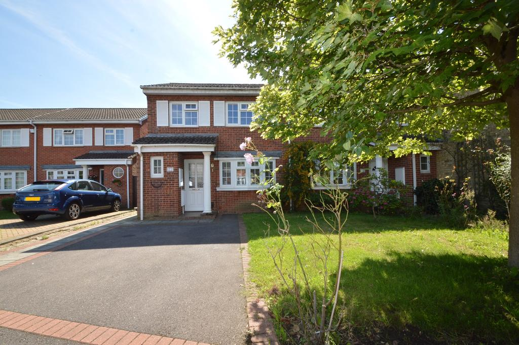 3 Bedrooms End Of Terrace House for sale in Kenilworth Drive, WALTON ON THAMES KT12