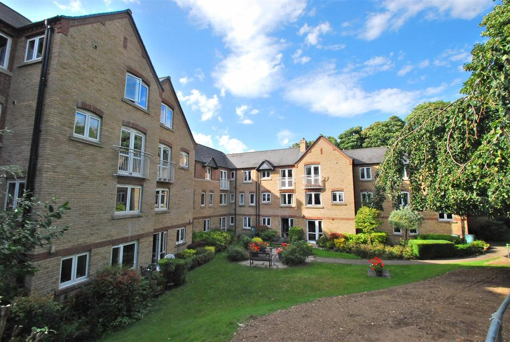 1 Bedroom Flat for sale in Lacy Court