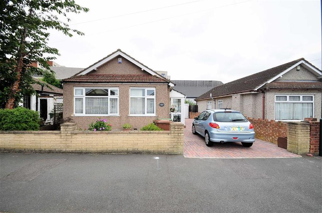 2 Bedrooms Detached Bungalow for sale in St Johns Road, Welling