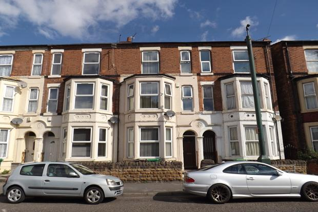 4 Bedrooms Terraced House for sale in Colwick Road, Sneinton, Nottingham, NG2