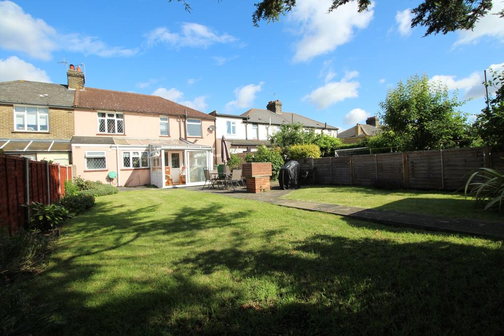 4 Bedrooms Semi Detached House for sale in Abbey Road Greenhithe DA9