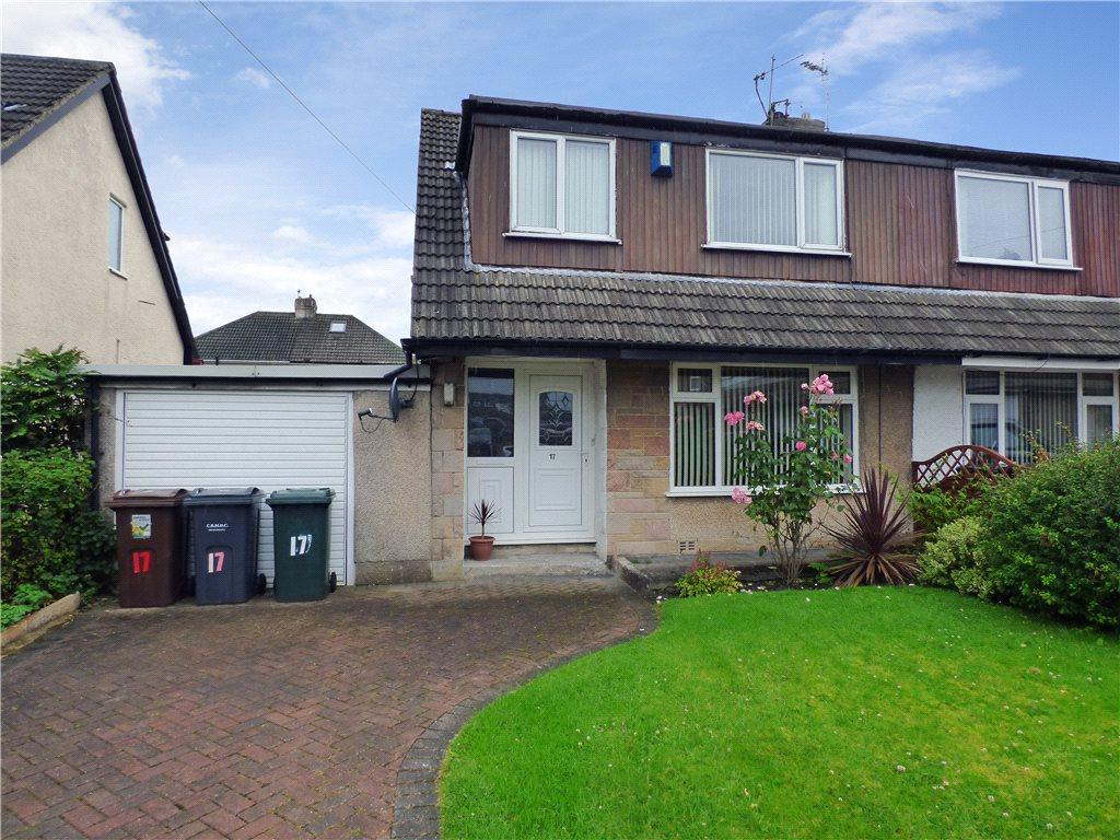 3 Bedrooms Semi Detached House for sale in Harewood Crescent, Oakworth, Keighley, West Yorkshire