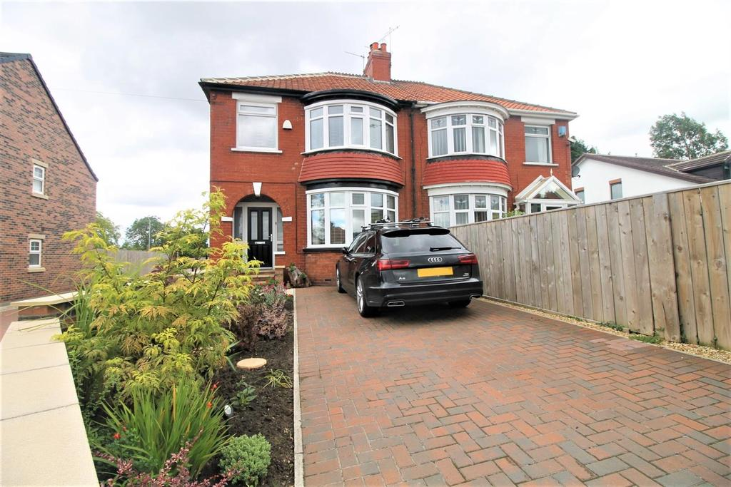 3 Bedrooms House for sale in Ormesby Bank, Ormesby, Middlesbrough