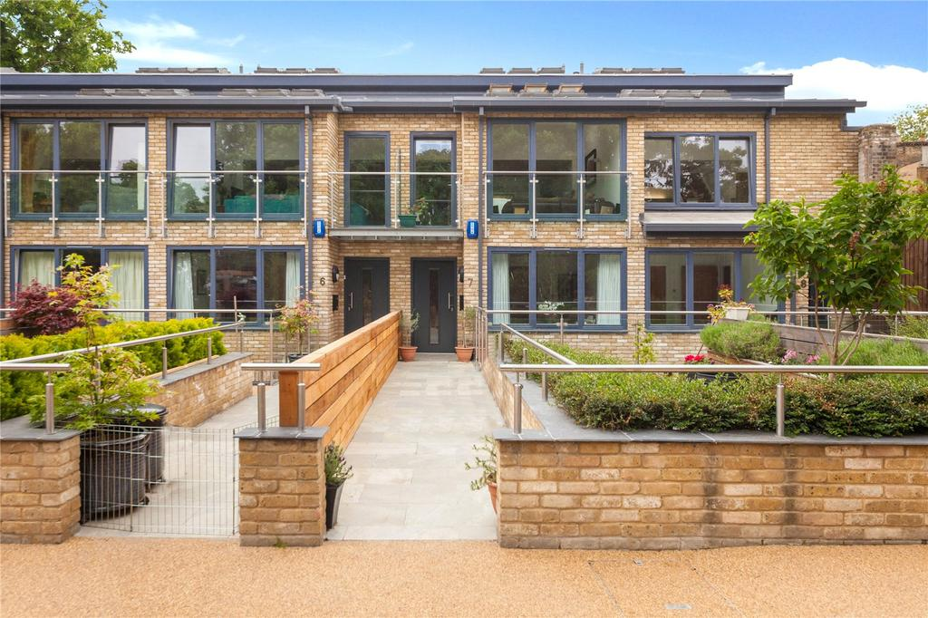 5 Bedrooms Mews House for sale in Florence Mews, Ardleigh Road, London