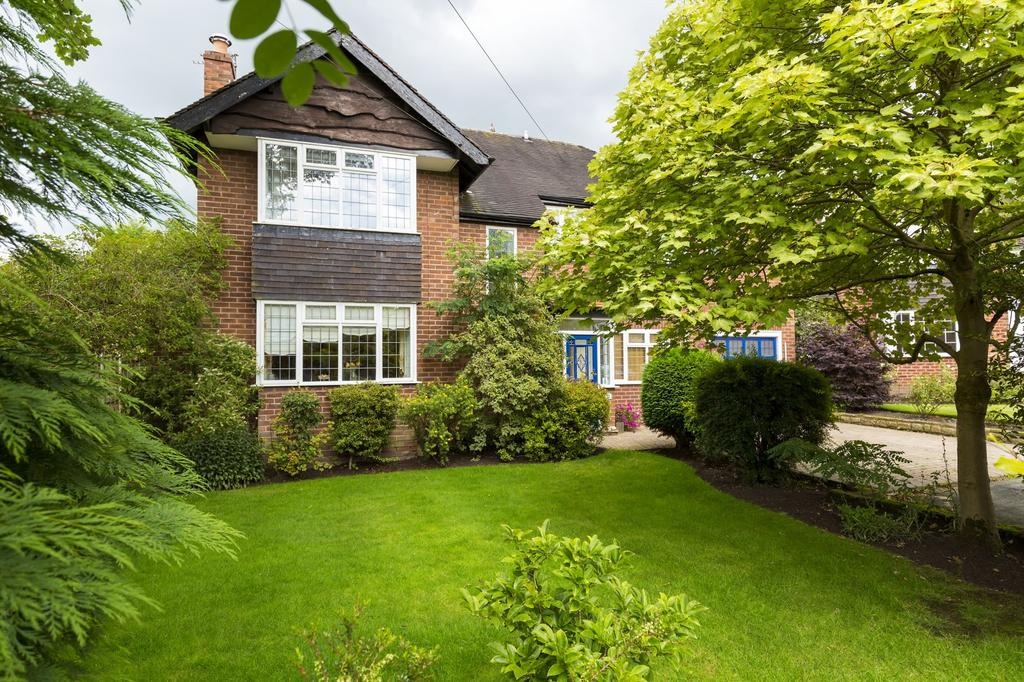 4 Bedrooms Detached House for sale in Manor Close, Wilmslow