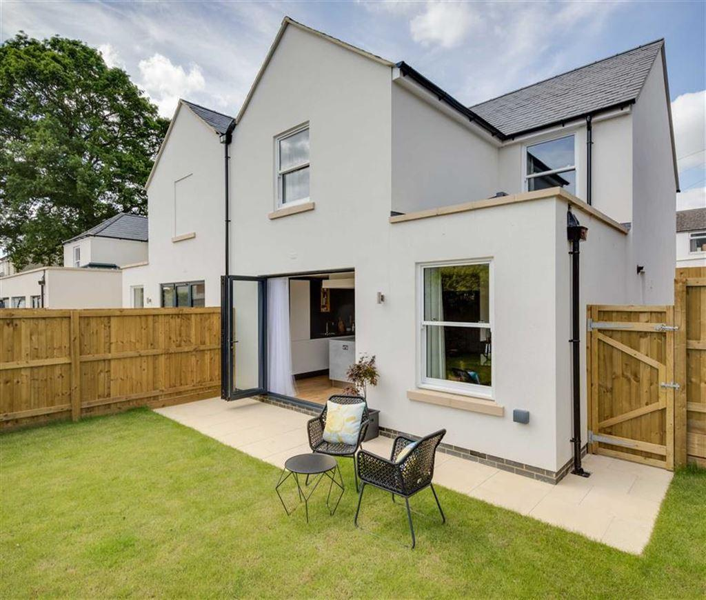 3 Bedrooms Semi Detached House for sale in Ryeworth Road, Charlton Kings, Cheltenham, GL52