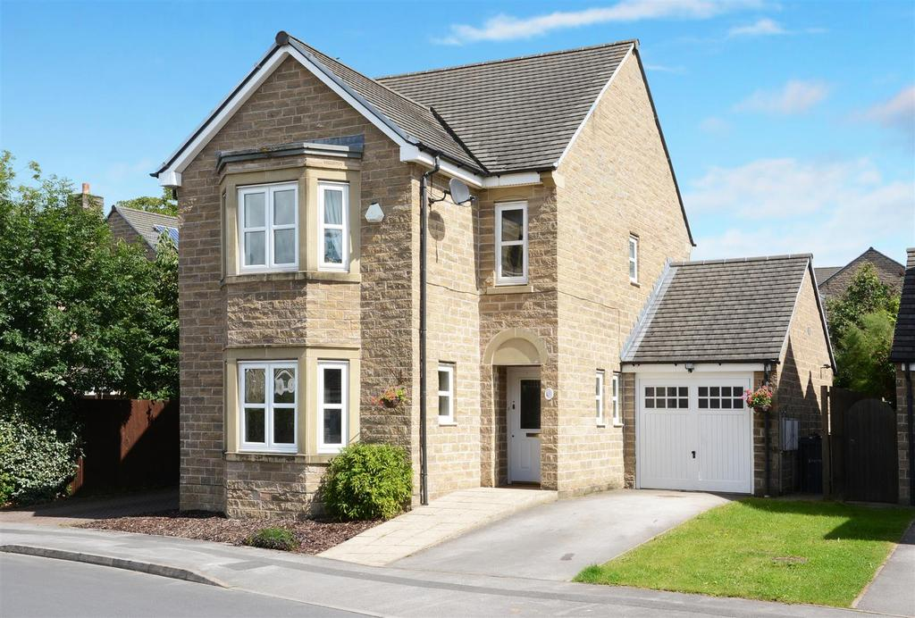 4 Bedrooms Detached House for sale in Pennythorne Drive, Yeadon, Leeds