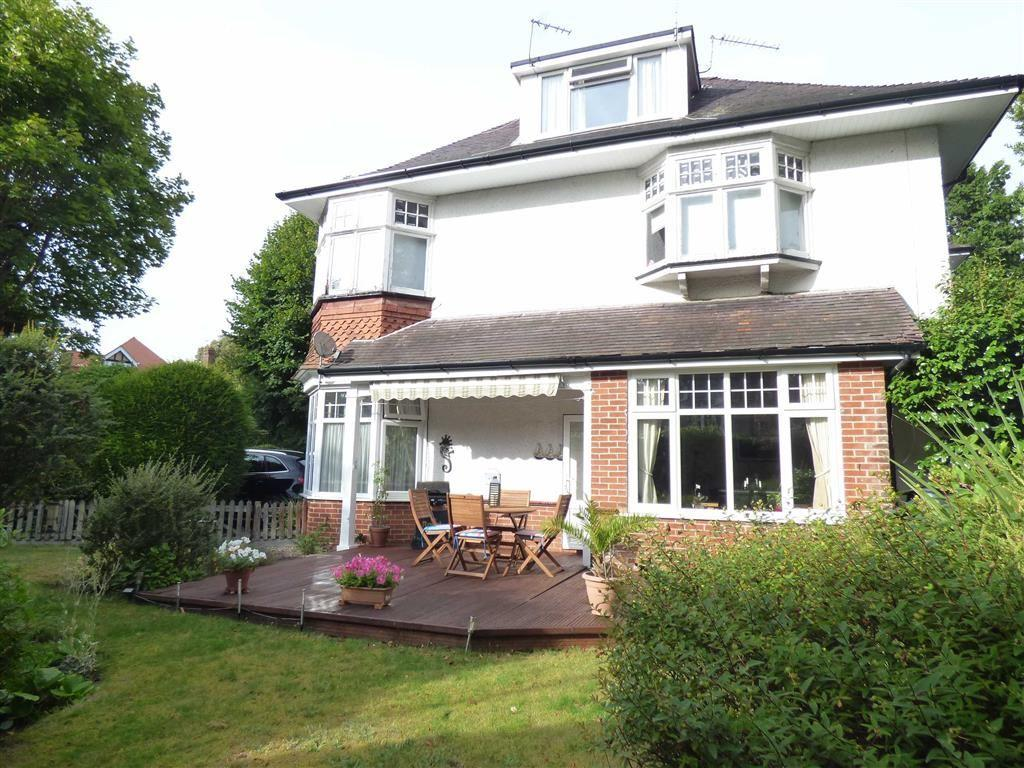 2 Bedrooms Flat for sale in Milton Road, Charminster, Bournemouth, Dorset, BH8