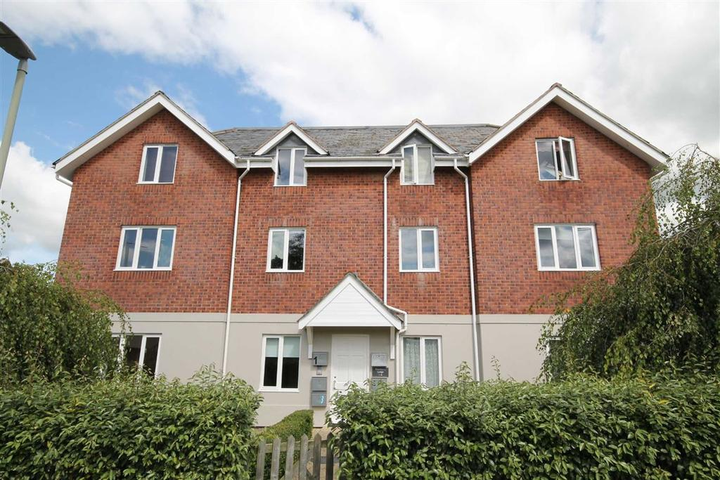 2 Bedrooms Flat for sale in Chiltern Road, Prestbury, Cheltenham, GL52