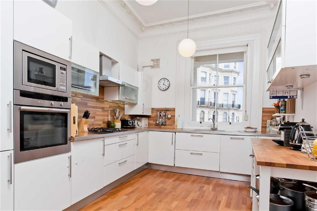 3 Bedrooms Apartment Flat for sale in St Aubyns, Hove